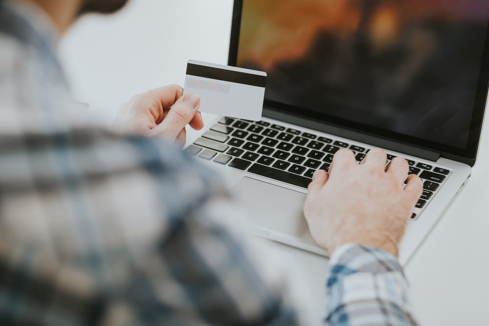 Come fare acquisti online con una Carta Prepagata
