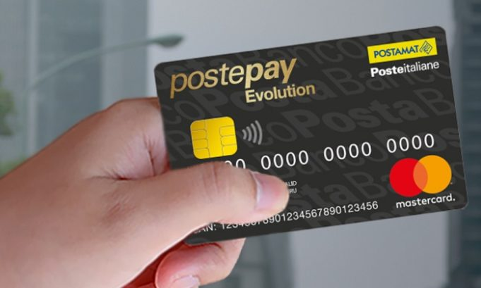 Carta Prepagata PostePay Evolution Business Mano
